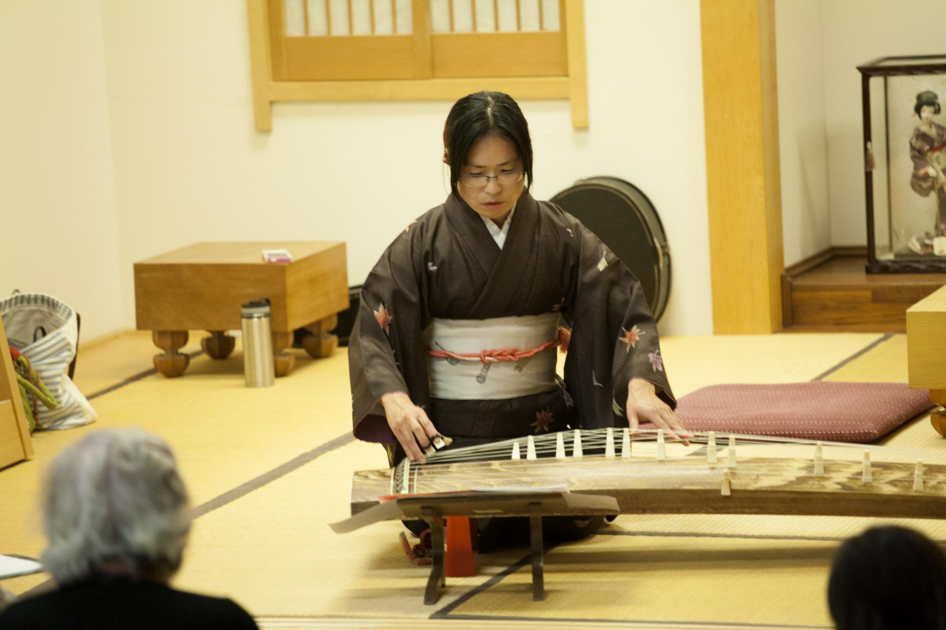 Shiho Kurauchi on koto